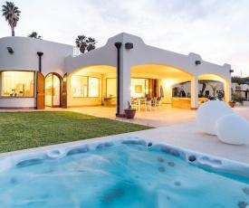 Modern Villa in Costa Saracena with Terrace
