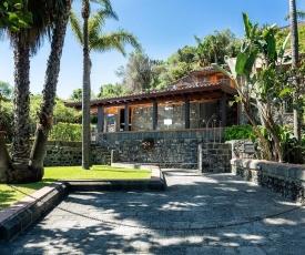 Santa Tecla Villa Sleeps 8 Pool WiFi