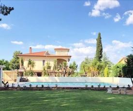 Villa con piscina e jacuzzi