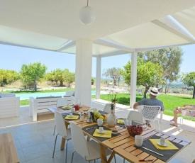 Casa Modica Villa Sleeps 8 Pool Air Con WiFi