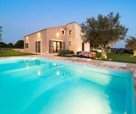 Costa Saracena-Castelluccio Villa Sleeps 4 Pool