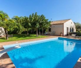 Donnalucata Villa Sleeps 6 Pool Air Con WiFi